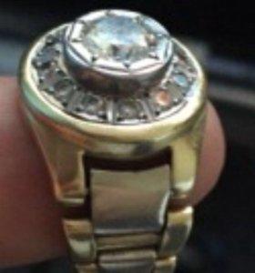 кольцо с бриллиантомы