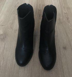 Ботинке на каблуке