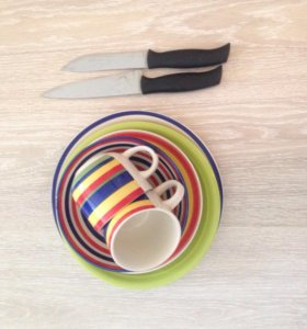 Набор посуды + 2 ножа