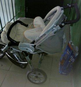 Продается прогулочная коляска JANE