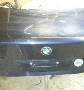 Bmw e60 крышка багажника