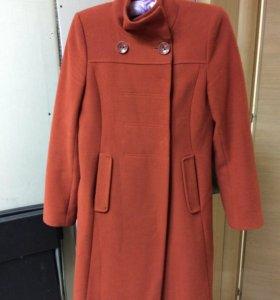 Пальто размер 42 (s)