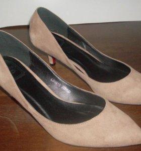 Туфли замшевые(Новые)