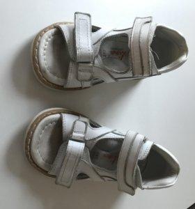 Артопедические сандали в отличном состоянии
