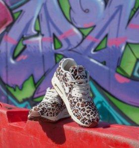 Новые кроссовки Nike airmax