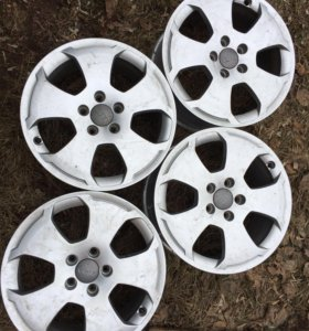 Диски на R17 оригинальные литые на Audi