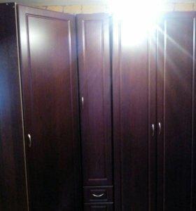 Набор шкафов:угловой(900/900)+пенал(400)+платяной(