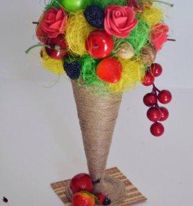 Стаканчик с фруктами
