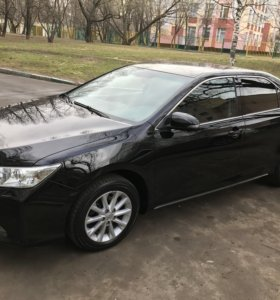 Toyota Camry 2013г 2.5 AT.