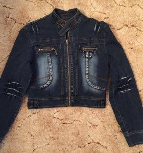 Джинсовая куртка, размер M