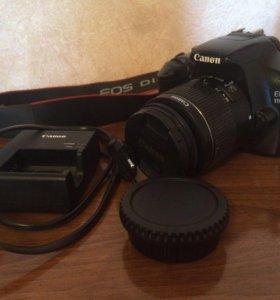 Зеркальный фотоаппарат Canon EOS 1100 D