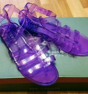 Резиновые сандалии. Р.38