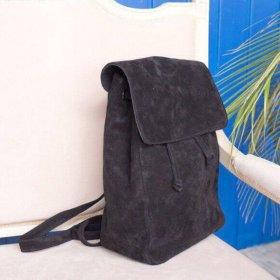 Стильный рюкзак из натуральной замши