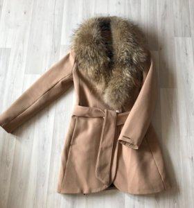 Пальто с мехом демисезонное
