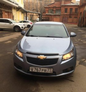 Chevrolet Cruz 1.8 At. 2011года.