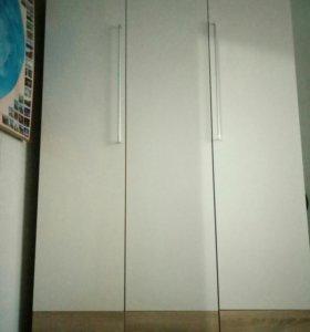 Шкаф белый глянцевый