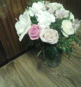 Букет из цветов с амариллисом