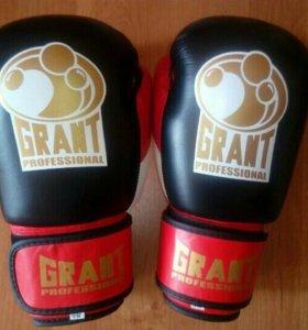 Продам боксерские перчатки Grant