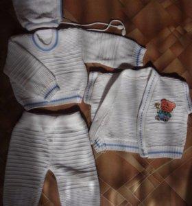 вязаный костюм 4 предмета на 0-6мес весна-осень