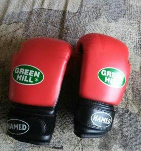 Перчатки боксерские детские.