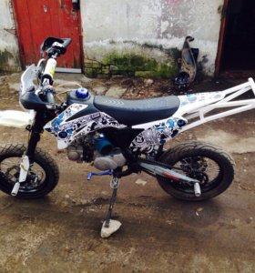 Stunt Pitster Pro 125