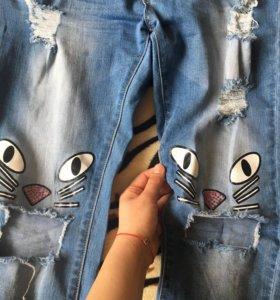 Рваные джинсы с кисами🐱