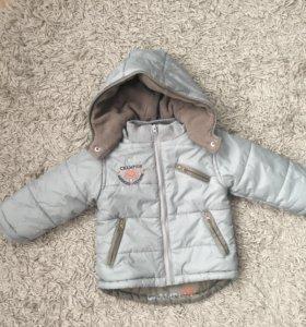 Курточка очень весна состояние идеальное.Утепленна
