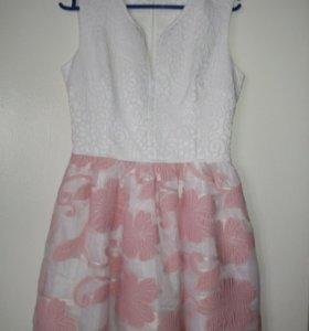 Очень красивое платье 44-46
