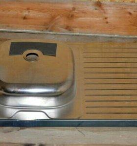 Мойка под кухонный шкаф
