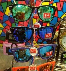 Солнечные очки и очечники