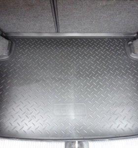 Коврики в багажник в ассортименте