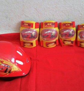 Ролики + шлем, подлокотники и наколенники