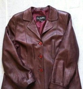 Стильный кожаный пиджак женский