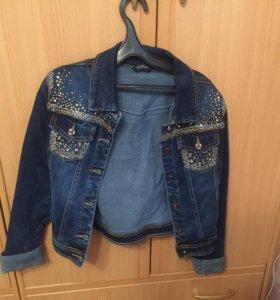 Продаю джинсовый пиджак(новый)