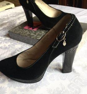 Туфли натуральная замша. р35-35,5