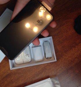 Айфон 6 черненький 16