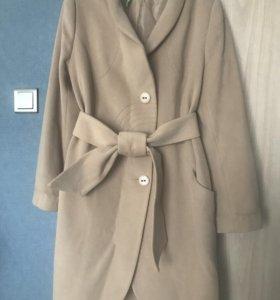 Продаю женское пальто в отличном состоянии