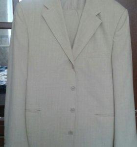 Мужской свадебный костюм можно на выпускной
