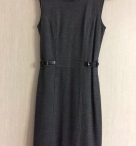 Платье в офис 42р.