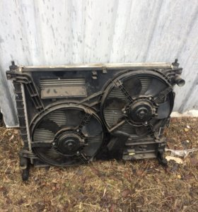 Радиатор двигателя на лендровер фрилендер 1