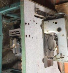 Производственная швейная машинка