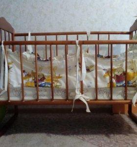 Кровать с матрацем ,бортиком и балдахин