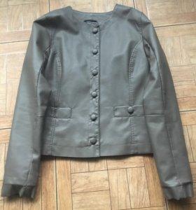 Куртка короткая кожзам Laridut