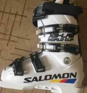 Ботинки горнолыжные Salomon 130