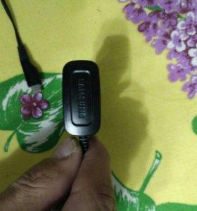 Колонка и зарядное устройство