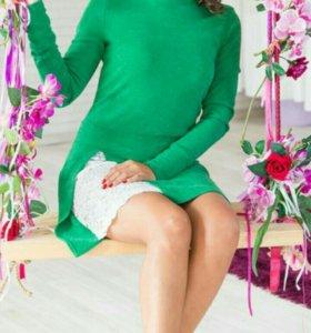 Новое вязаное платье с кружевом