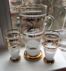 Графин и стаканы