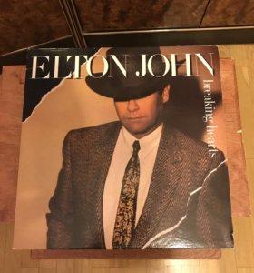 Винил. Elton John – Breaking Hearts