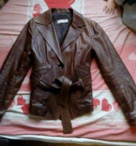 Кожаная куртка Bata