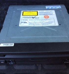 DVD в задней части салона BMW F07 F10 F02